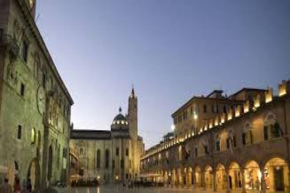 La piazza di Ascoli Piceno tra le più belle al mondo